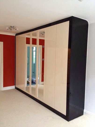 Our installers can easily fit your wardrobe seamlessly around all shapes and curves of your rooms.