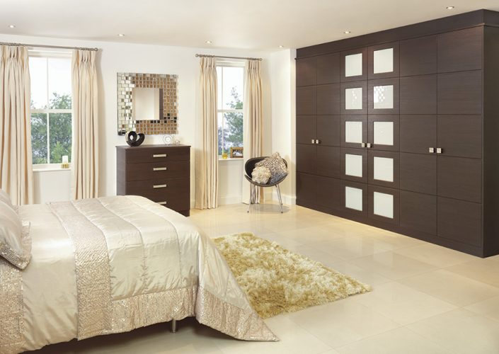 Oak Finish Fitted Bedrooms