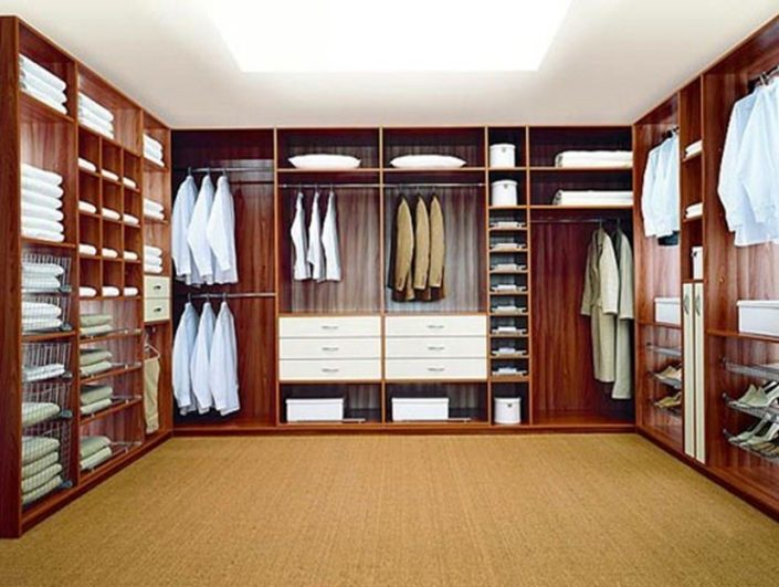 Bespoke Walk in Wardrobe