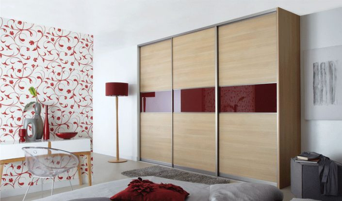 Red-Veneer Sliding Door